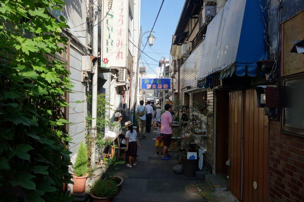 """暮らし手が、まちを変えていく。空き物件見学会から始まる、山梨県甲府市の""""リノベーションまちづくり"""""""