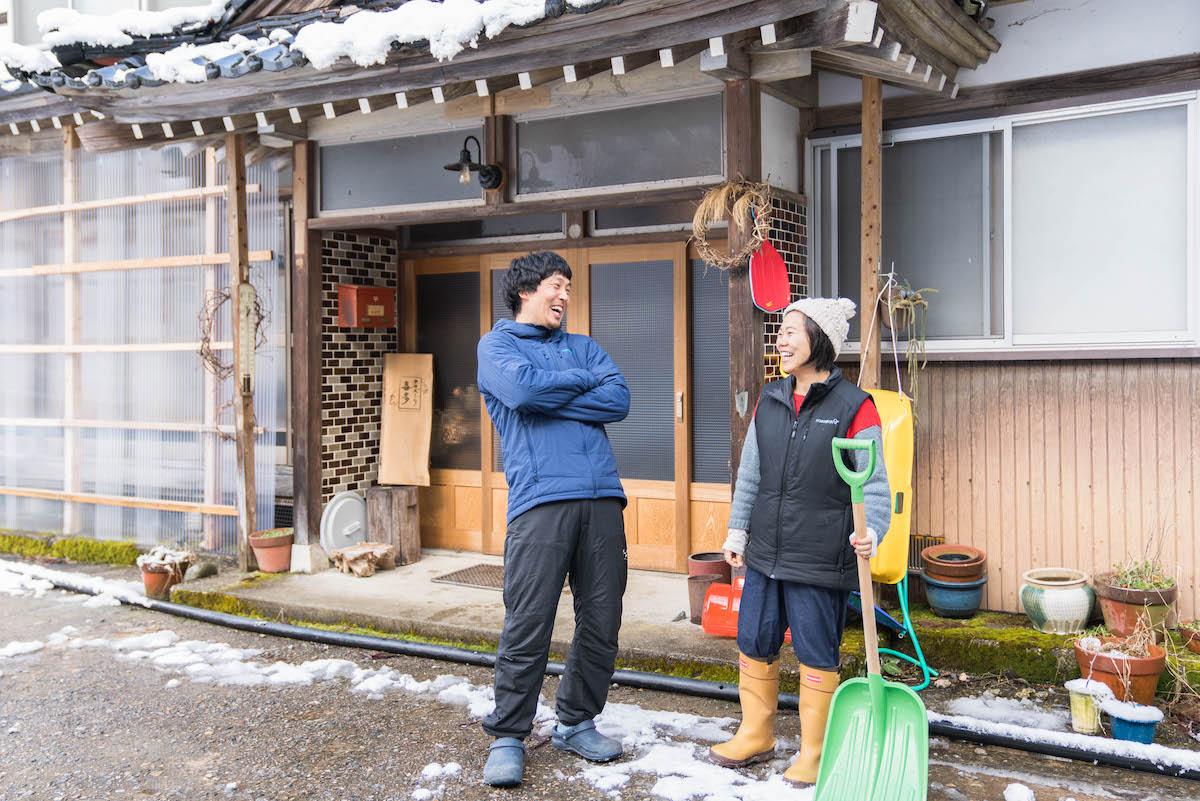 「雪」×「山」×「安心できる暮らし」=「富山」だった。多賀野夫妻が富山県南砺市へ移住してゲストハウスを開業するまで